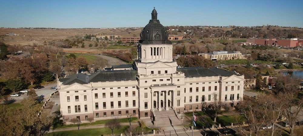 South Dakota Sports Betting Bill Reaches Governor's Desk